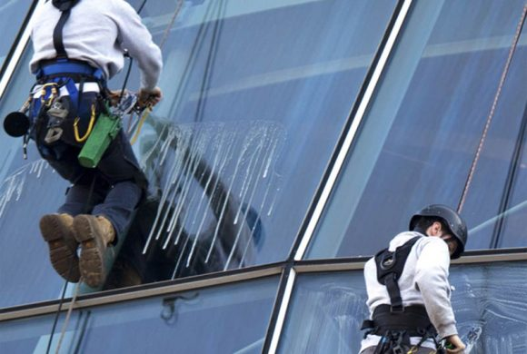 CERTIFIED ABSEILING SERVICE