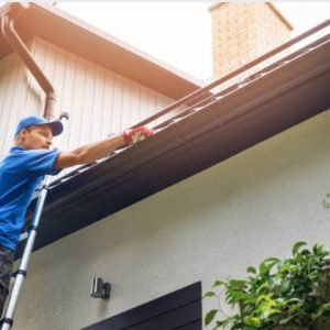 Why is Commercial Gutter Cleaning a Good Service to Use?